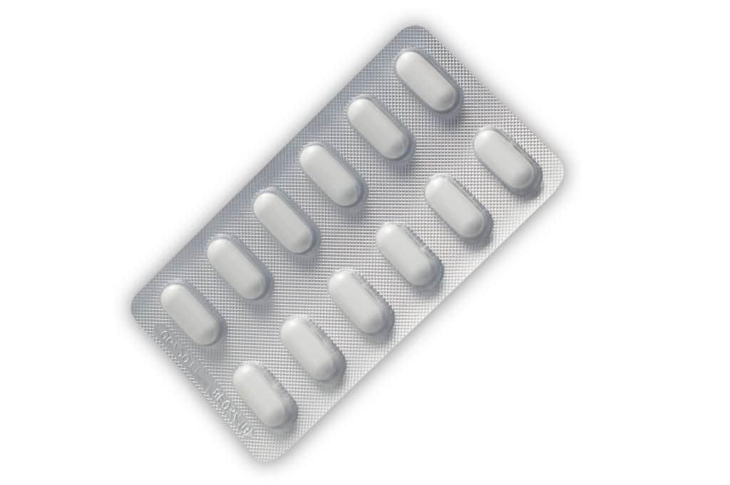 La ciprofloxacina o es un antibiótico que afecta el ADN bacteriano.