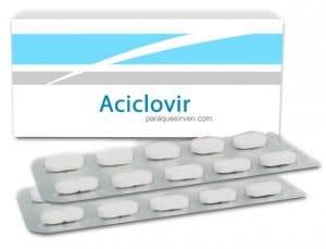 Caja y pastillas de aciclovir